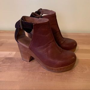 Free People Amber Orchard Clog Chocolate Size 36